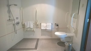 Bathroom Disabled acces room Hotel Ridderkerk